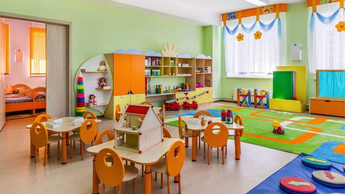 幼稚園 保育園 認定こども園 違い